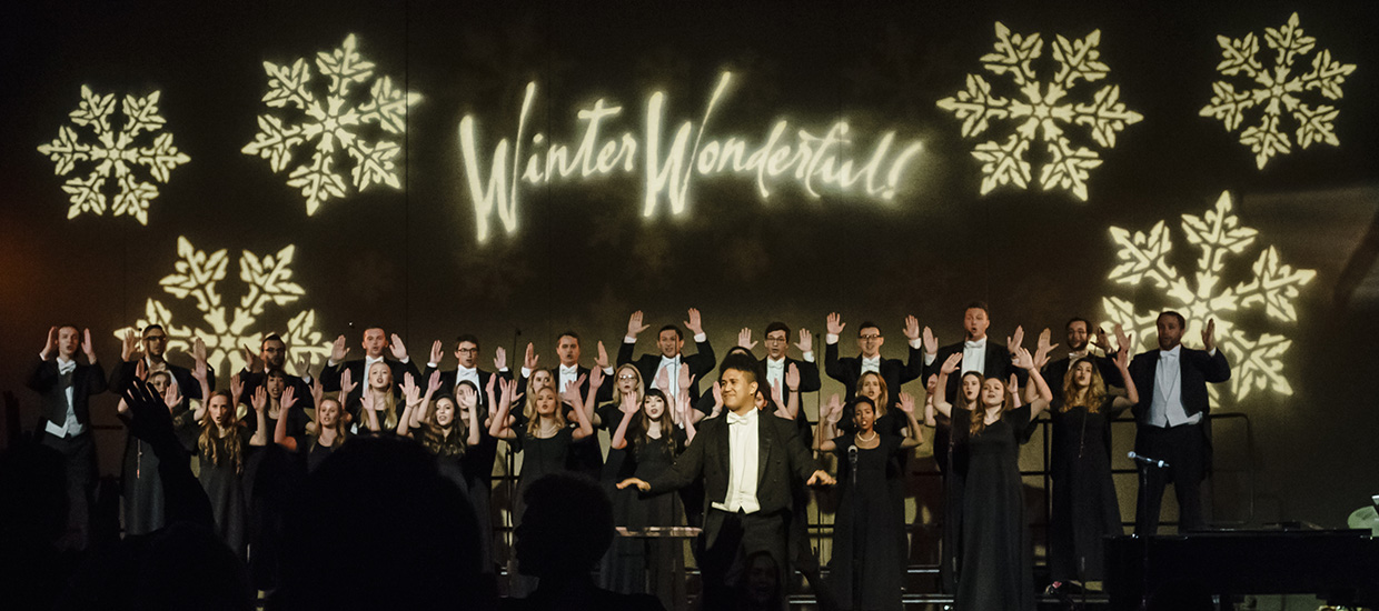 Vocalists perform at Winter Wonderful